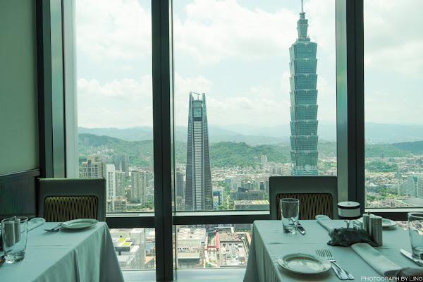45樓高空景觀餐廳酒吧,來自美國芝加哥的頂級牛排館,享受無敵美景!