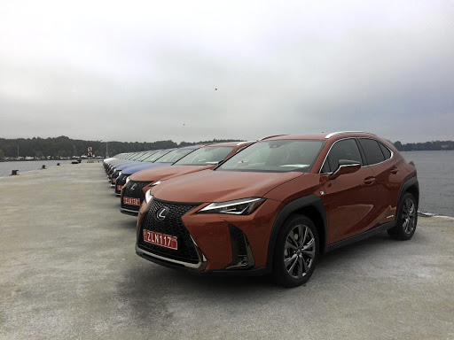 Above: That spindle grille is now a signature Lexus design trait. Left: The rear continues that L-finesse styling theme. Far left: Cabin appointments are both modern and classy.