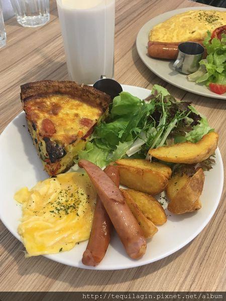 小家朝食,小巷中的溫暖早午餐,歐姆蛋與鹹派都好美味~