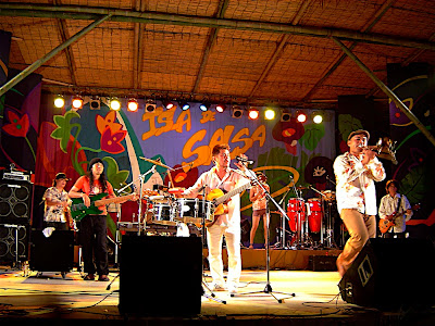 Concierto de Diamantes en Isla de Salsa - イスラ・デ・サルサでのディアマンテスのライブ