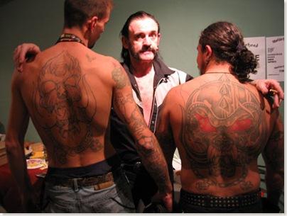 Lemmy con dos... fans.