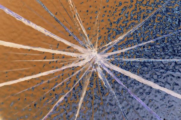 Anche una pallonata può creare un opera d'arte di Fe140