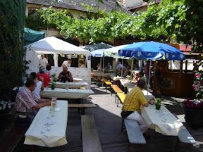 Rast im Weingut Preis, Hochheim><font size=