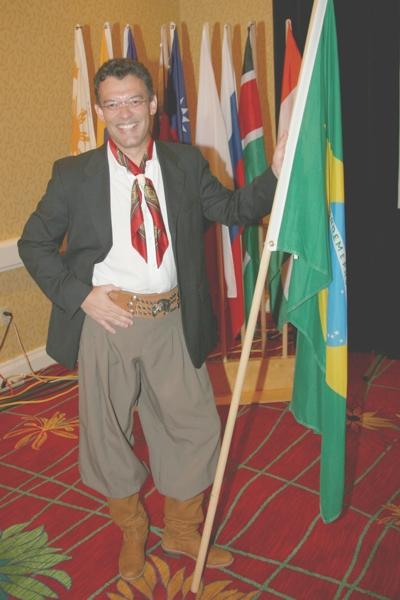 José Bernardo, líder da AMME Evangelizar em conferência missionária nos EUA