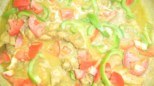 Vanillated curry chicken cooked in coconut milk