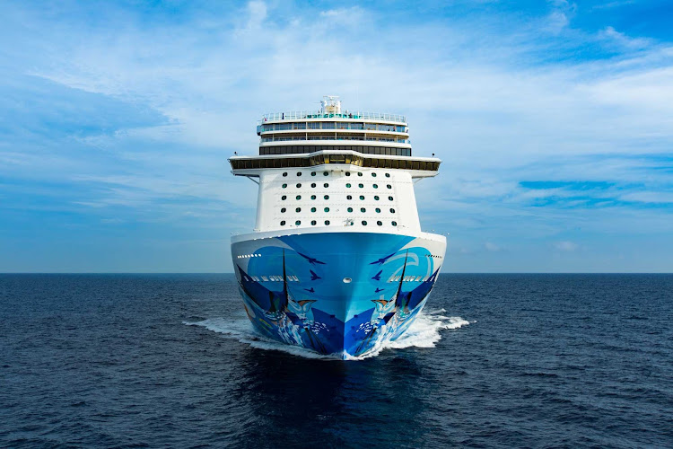 Norwegian Escape in Nassau, the Bahamas, shortly after her debut.