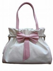 bg3771186414165Bow-bag-white-web[1]