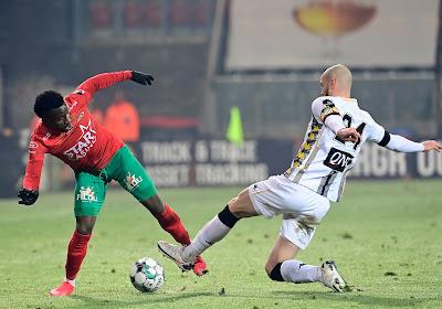 La défense de Charleroi n'a pas été aidée par les circonstances