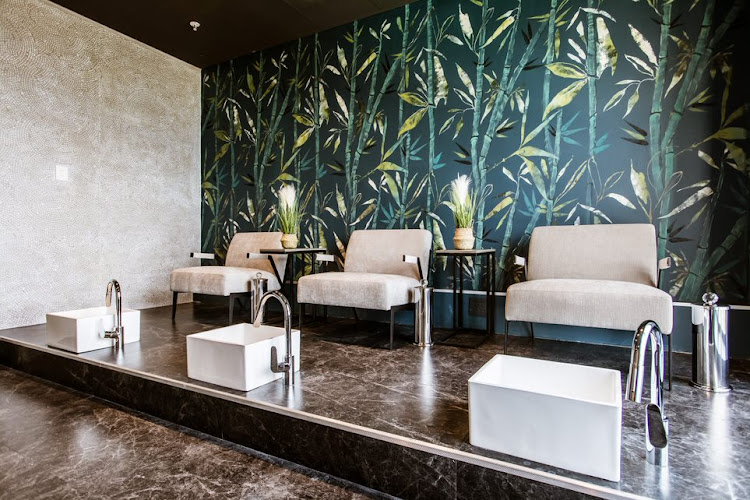 The pedi room at The View by 27Pinkx.
