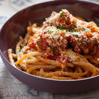 "Perciatelli Pasta with Red Quinoa ""Meatballs"""