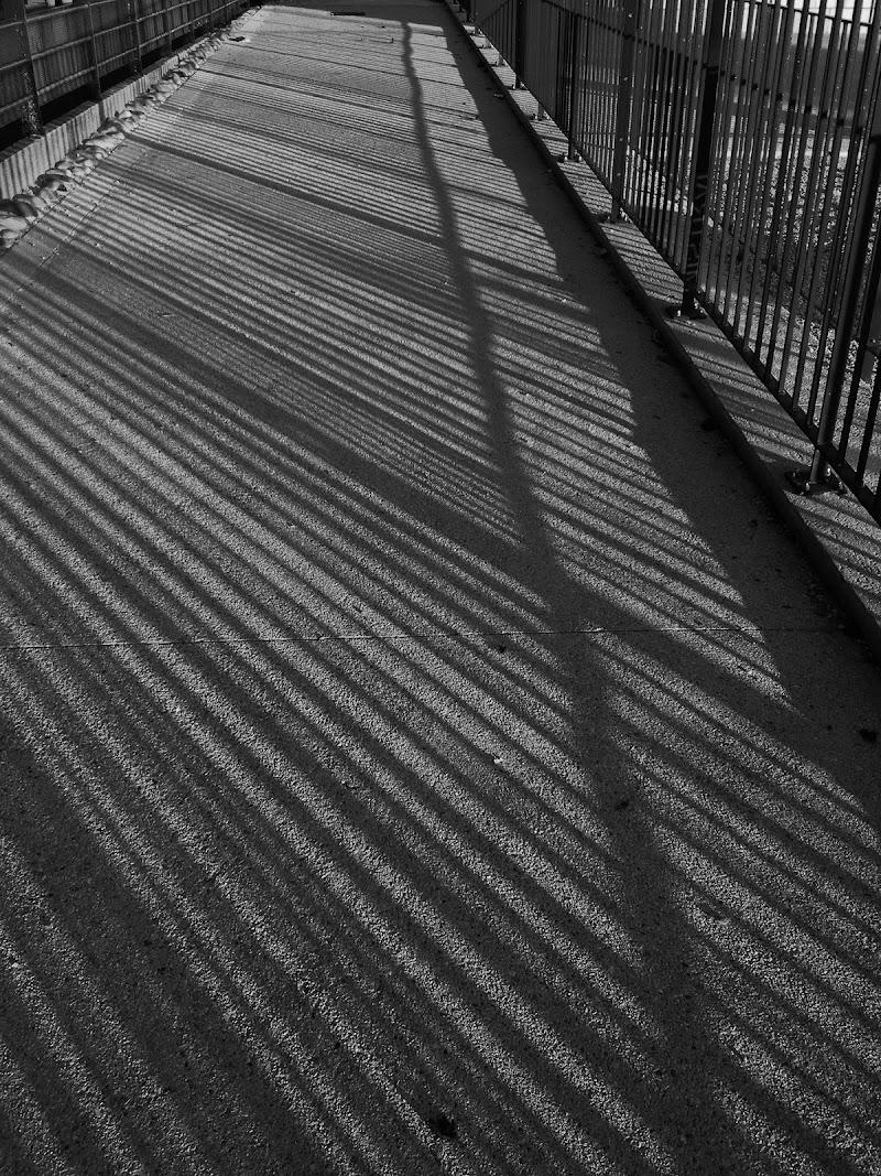 giochi di ombre e prospettive di S_H_A_N
