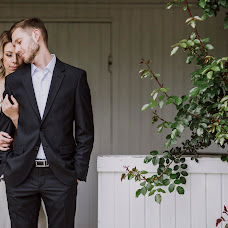 Wedding photographer Eszter Semsei (EszterSemsei). Photo of 09.06.2017