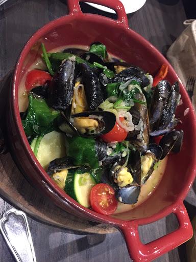 淡菜鍋味道實在 非常驚訝 鵝肝柔軟入口即化