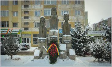"Photo: Turda - Grupul statuar ""Horea Closca si Crisan"" - 2018.02.28"