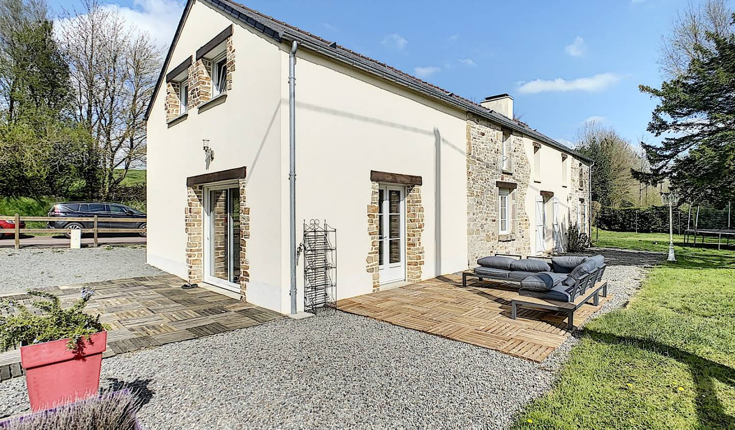 Property with garden Picauville
