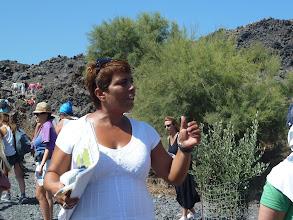 Photo: Mama Joy - notre guide polyglotte sympathique et très dynamique qui nous expliquera tout sur le volcan et les îles