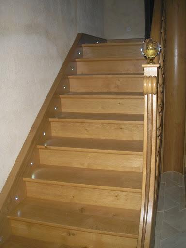balisage d 39 un escalier l 39 aide spot led. Black Bedroom Furniture Sets. Home Design Ideas