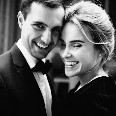 Wedding photographer Vasiliy Tikhomirov (BoraBora). Photo of 21.10.2016