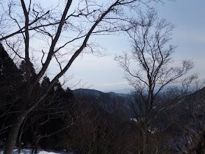 荒谷山方面(右下に白くダム)