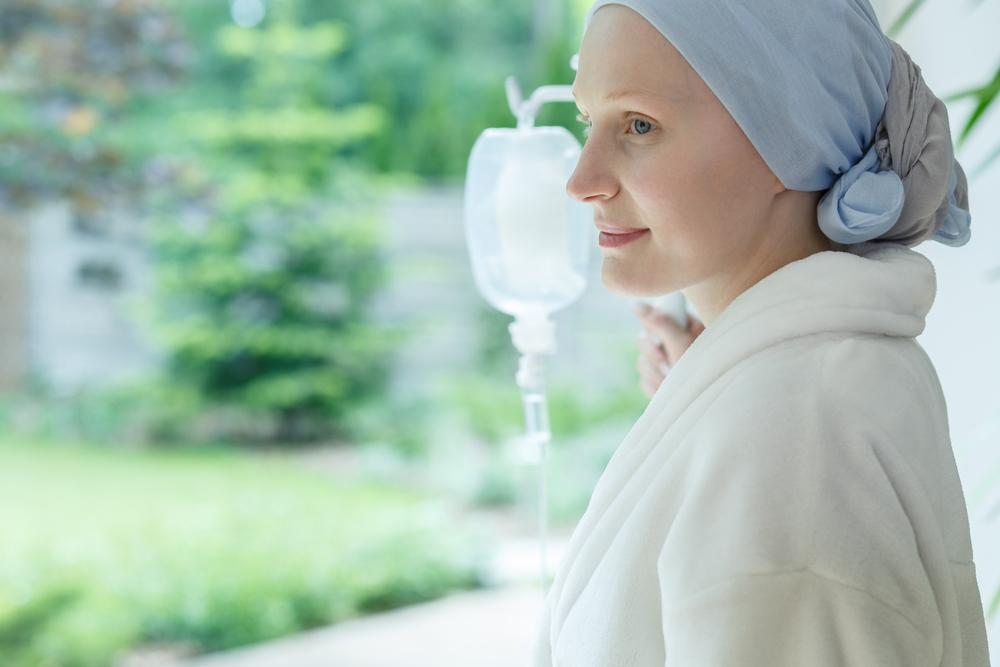 Pacientes com câncer que receberam tratamento especializado tiveram maior taxa de sobrevivência. (Fonte: Shutterstock)