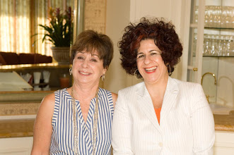 Photo: Shelley Rivlin and AJC Director of Latino and Latin American Institute Dina Siegel Vann