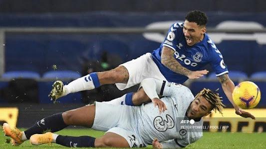 HASIL Liga Inggris: Kalah dari Everton, Chelsea Gagal Langkahi Liverpool dan Spurs