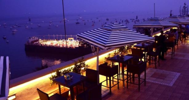 rooftop-restaurants-mumbai-the-marine-upper-deck_image
