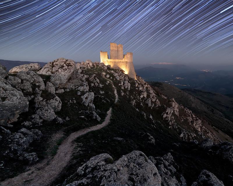 Rocca Calascio, startrail. di masdamb