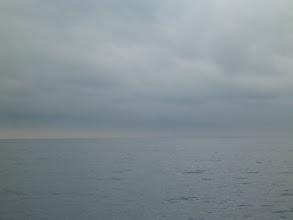 Photo: 梅雨入り。 今にも降ってきそうな空もよう。 ガンバりましょっ!