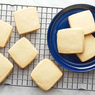 Easy Shortbread Cookies.