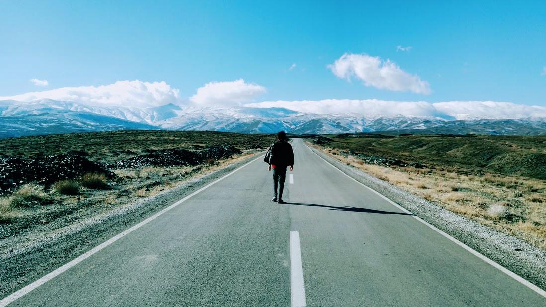 تنها سفر کردن و مزیت های آن