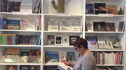 Abre en Pujaire la primera librería del Parque Natural de Cabo de Gata