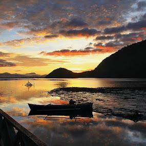 Sunrise by Edwin Yepese - Landscapes Sunsets & Sunrises ( landscapes )