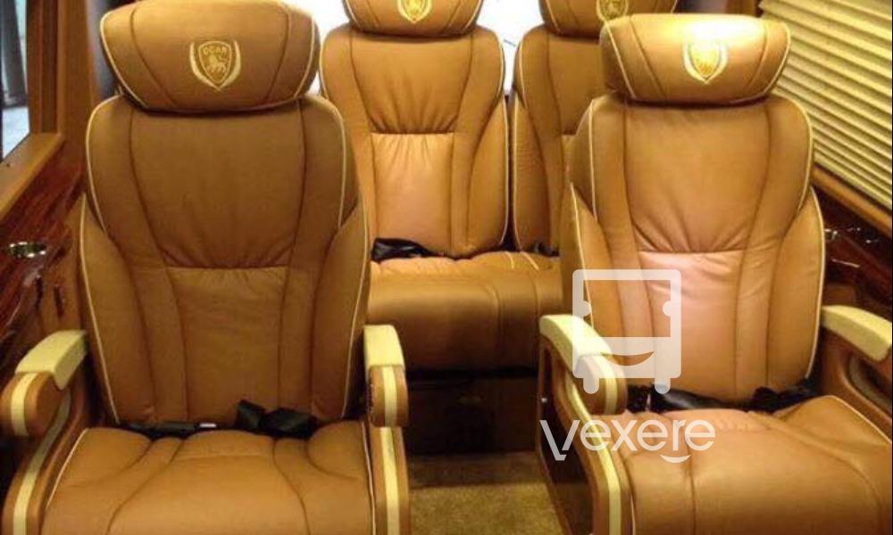 Nội thất xe Minh Anh VIP Limousine đi Cao Bằng từ Hà Nội