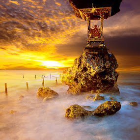 by Wisnu Taranninggrat - Landscapes Travel