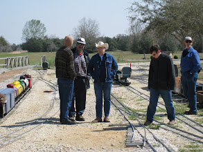 Photo: Trainmen and talking.  HALS 2009-0228