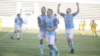 Celebración de uno de los goles celestes en la última victoria ante el Villanovense.