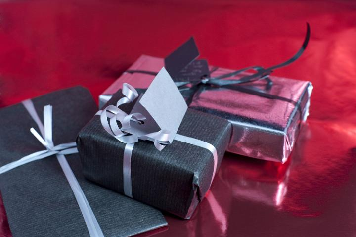 wrapped_presents.jpg