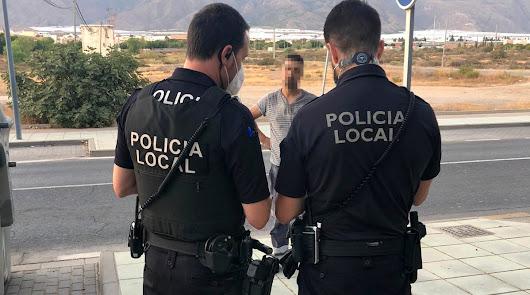 """Más de 200 personas sin mascarilla en una """"quedada"""" en El Ejido"""
