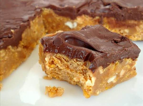 No Bake Chocolate, Peanut Butter Corn Flake Bars Recipe