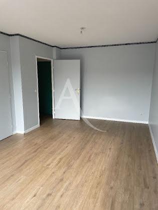 Location studio 30,72 m2
