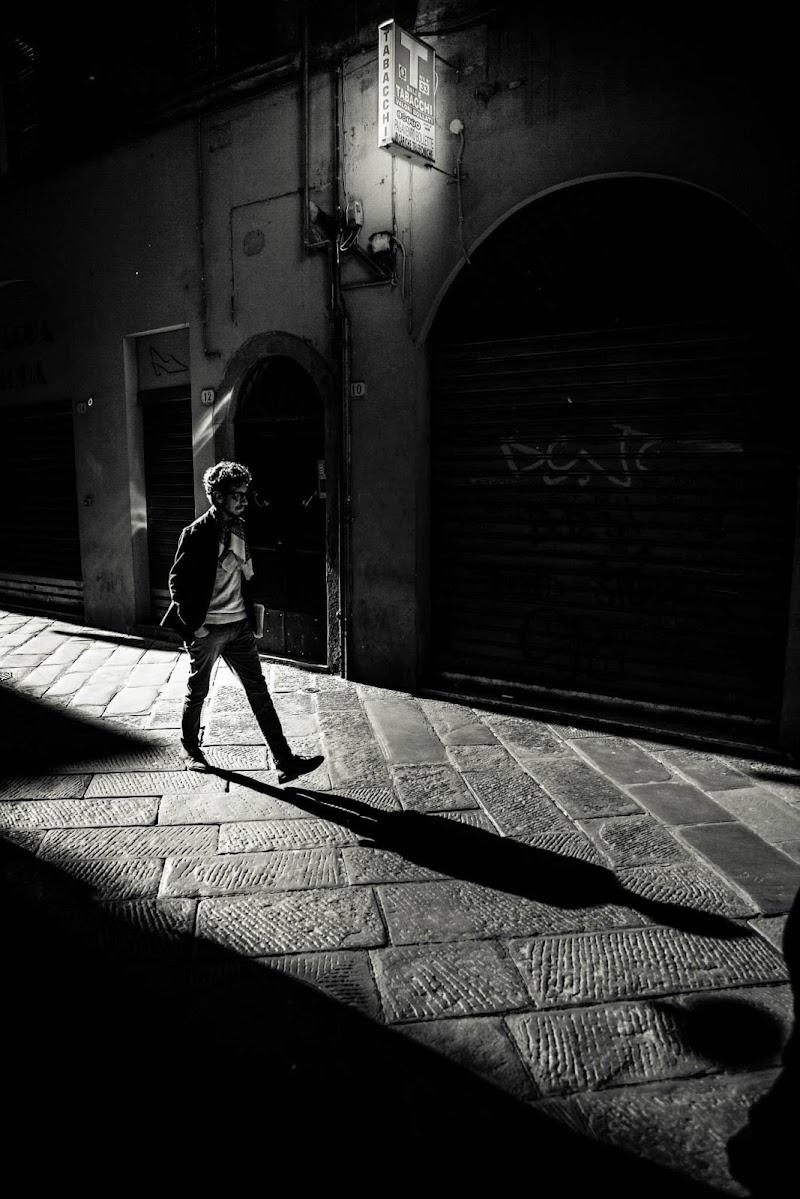 Due  passi all'alba di Simonetti Andrea