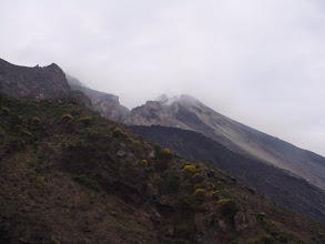 Photo: Vue du cratère éffondré au dessus de la Sciara del Fuoco