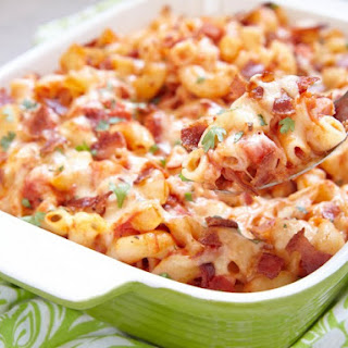 Slow Cooker Farmhouse Macaroni And Cheese.