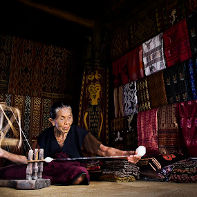 silk weaver by Yungki Dblur - People Portraits of Women