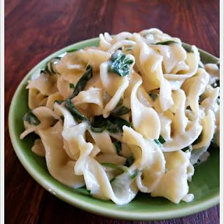 Creamy Spinach Parmesan Noodles