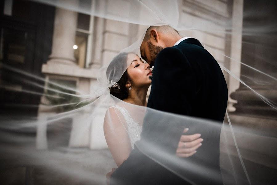 Wedding photographer Dominic Lemoine (dominiclemoine). Photo of 05.11.2019
