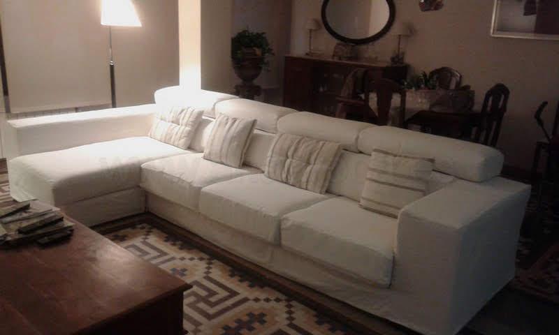 Chaiselongue con módulo sofá de tres plazas
