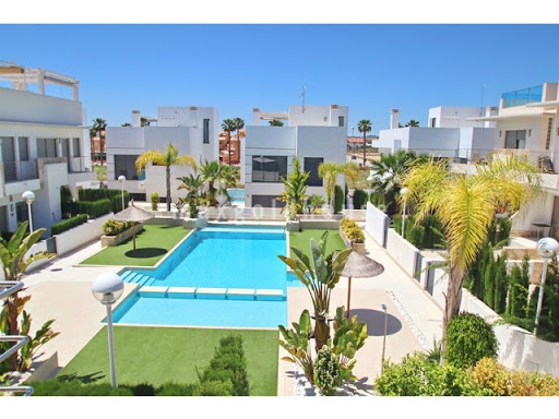 Doña Pepa Townhouse: Doña Pepa Townhouse for sale