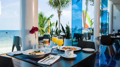 temptation-resort-sea-flirt-breakfast.jpg - Start the day off with a great view and specially cooked breakfast at Sea Flirt.